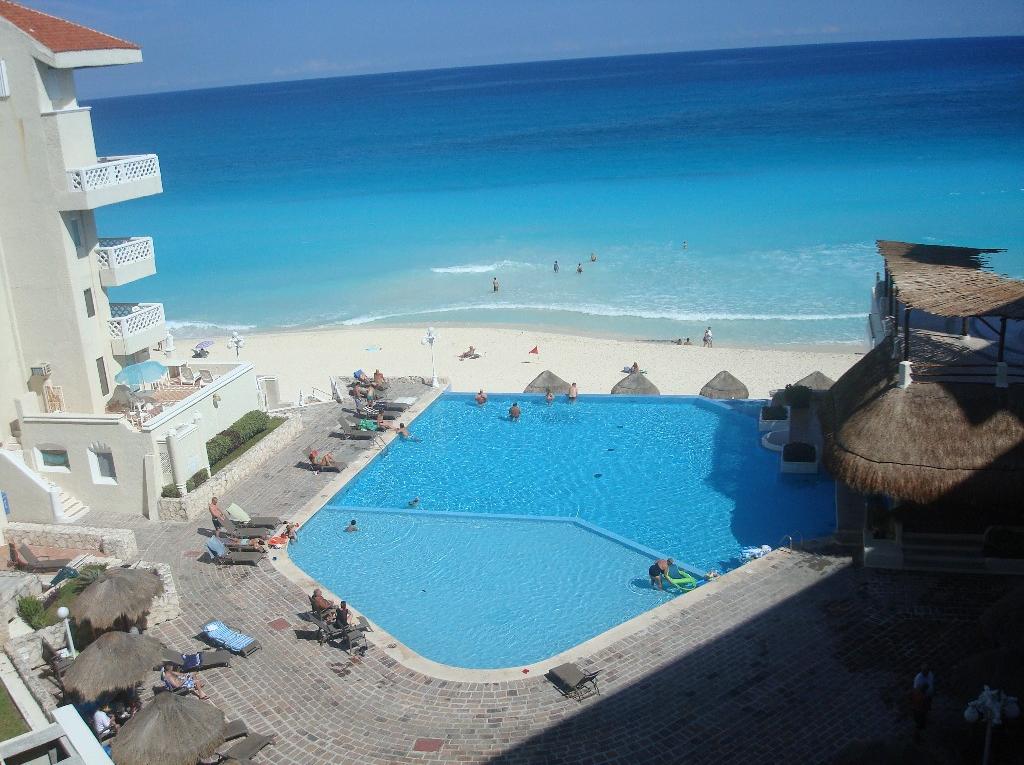 Cancun's Best Deal, Cancun Plaza