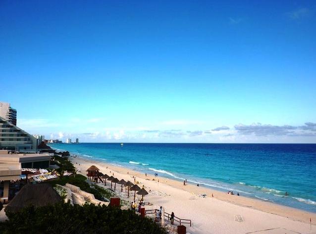 Beautiful Oceanside Condo, Park Royal Hotel