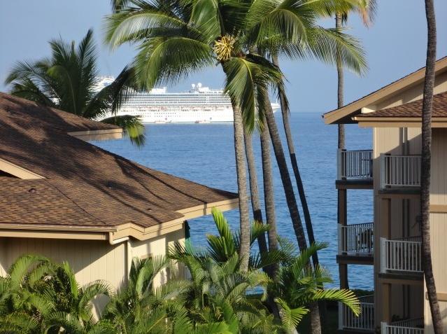 Khammoui's Shangri-La By the Sea, Kona Shores Condo