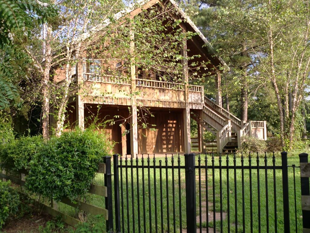 Tuscaloosa Lake Lodge